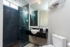 Loft Legian Bali - Bathroom