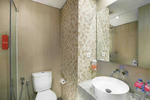 favehotel Kotabaru Yogyakarta - Bathroom