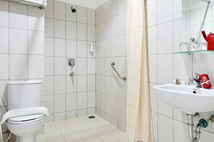 ZenRooms Pakuan Baranangsiang - Kamar mandi