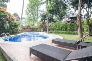 Mahalini 4 Bali - kolam renang