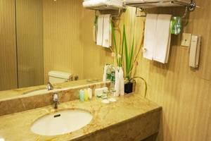Kyriad Hotel BumiMinang Padang - Kamar mandi