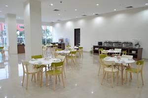 Whiz Prime Cifest Cikarang - Restoran