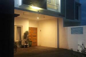 Banana Homestay Yogyakarta - Bangunan Tampak Depan