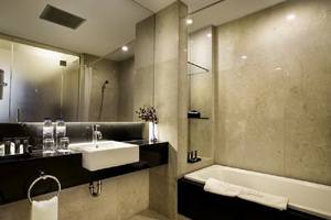 Grand Zuri BSD City - Kamar mandi Junior Suite