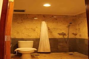 Asana Kawanua Jakarta Jakarta - Bathroom