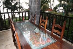 Villa Matanai Bali - Meja dan kursi