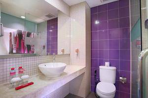 favehotel MEX Surabaya - Bathrooms1