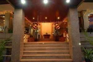 The Naripan Hotel Bandung - Pintu masuk