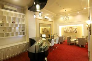 Grand Darmo Suite Surabaya - Lounge