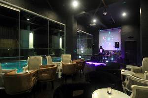 Grand Darmo Suite Surabaya - Mozza Lounge