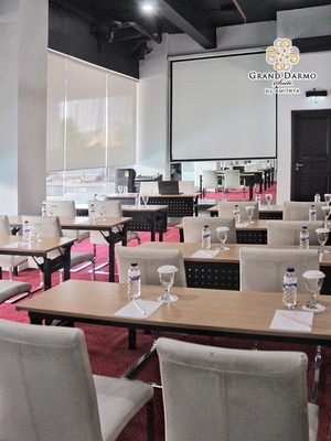 Grand Darmo Suite Surabaya - Meeting Room