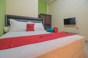 RedDoorz near Living Plaza Balikpapan 2