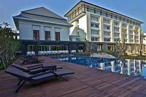 HARRIS Hotel Malang - Kolam Renang