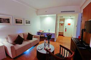 HARRIS Hotel Malang - president Suite