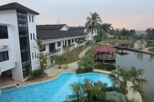 Rukun Senior Living Sentul - Kolam renang