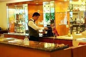 Twin Plaza Hotel Jakarta - Cirano Lounge