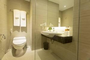 Grand Tjokro Bandung - Deluxe Bathroom