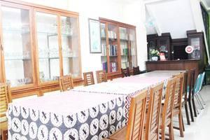 NIDA Rooms Raya Tajem Sambi Sari Jogja - Ruang makan