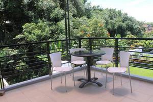 Villa Dago Eby Syariah Bandung - balkon