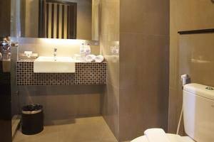 Cabin Hotel Jakarta - Toilet