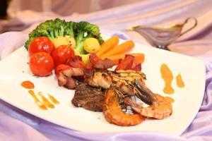 BJ. Perdana Pasuruan - Makanan