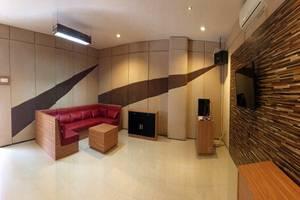 Binong Guest House Tangerang - Karaoke