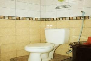 Hotel Bunga Pantai Belitung - Bathroom