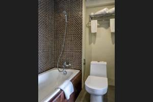 Savvoya Hotel Bali - Bathroom