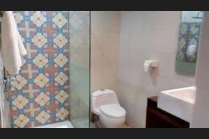 Hotel Selecta Malang - Bathroom