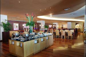Novotel Mangga Dua Square Jakarta - Breakfast Area