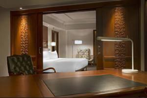 Le Meridien Jakarta - Guestroom