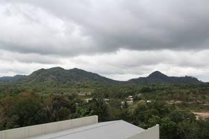 Soll Marina Hotel Bangka - Hill Backyard
