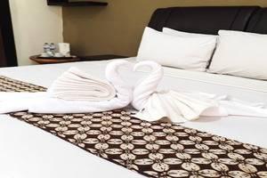 Sriwedari Hotel Yogyakarta - Bed