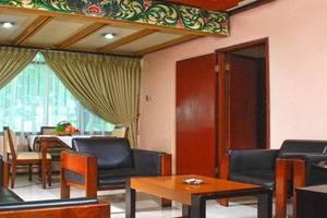 Sriwedari Hotel Yogyakarta - Living Room