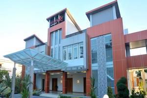 Prima SR Hotel & Convention  Yogyakarta - Tampilan Luar Hotel