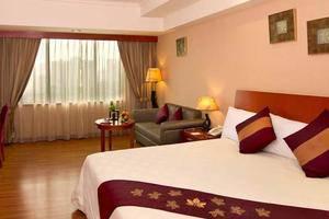 Century Park Hotel Jakarta - Kamar Tamu