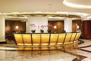 El Royale Hotel Bandung - Receptionist
