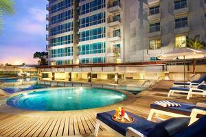 Grand Royal Panghegar Bandung - Swimming Pool