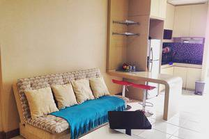 Apartement Mediterania 2 Tanjung Duren - Ruang tamu dengan tempat tidur sofa