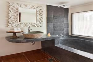 Baliwood Resort Ubud - Kamar mandi