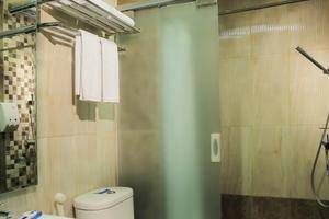 Transera Hotel Pontianak - Kamar mandi