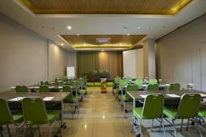 MaxOne Malang - Meeting Room