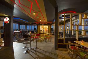 MaxOne Malang - Sky Bar