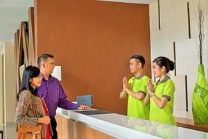 Whiz Hotel Bogor - FRONT OFFICE
