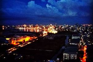 Gammara Hotel Makassar - Night view from our rooftop