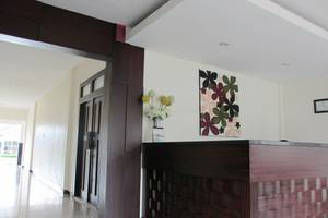 Sumber Hotel Malang - Resepsionis