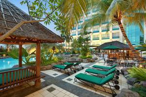 Hotel Ciputra Jakarta - Pool 2