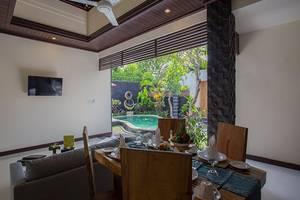 Kayu Suar Bali Luxury Villas and Spa Bali - Ruang makan