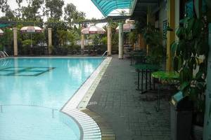 Hotel Agas International Solo Solo - Kolam Renang