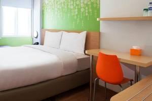 Zest Hotel Jemursari Surabaya - Kamar tamu